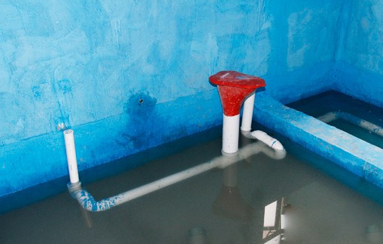 �b修防水材料如何辨�e真假